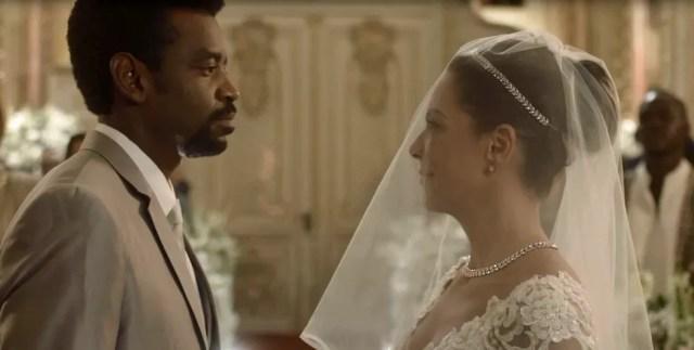 Finalmente chega o dia do casamento de Roberval e Cacau (Foto: TV Globo)