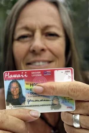 Janice Keihanaikukauakahihuliheekahaunaele ficou revoltada por não ter o nome completo impresso em seus documentos (Foto: Chris Stewart/AP)