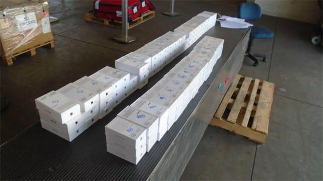 Lote da Receita Federal tem centenas de iPhones — Foto: Reprodução/site da Receita Federal
