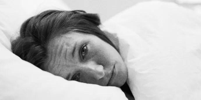Dormir pouco pode gerar maior número de pensamentos negativos (Foto: Reprodução)