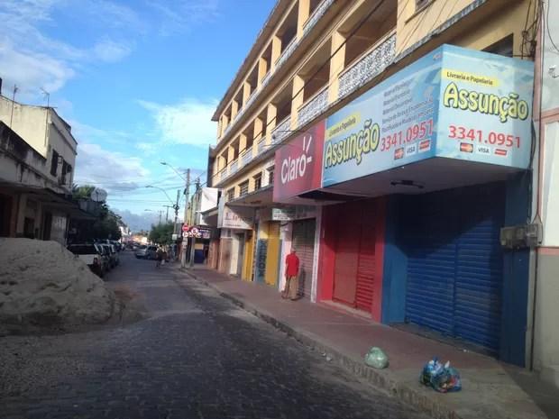 Boatos fecham lojas do Centro de Maranguape (Foto: Colaboração/Arquivo Pessoal)