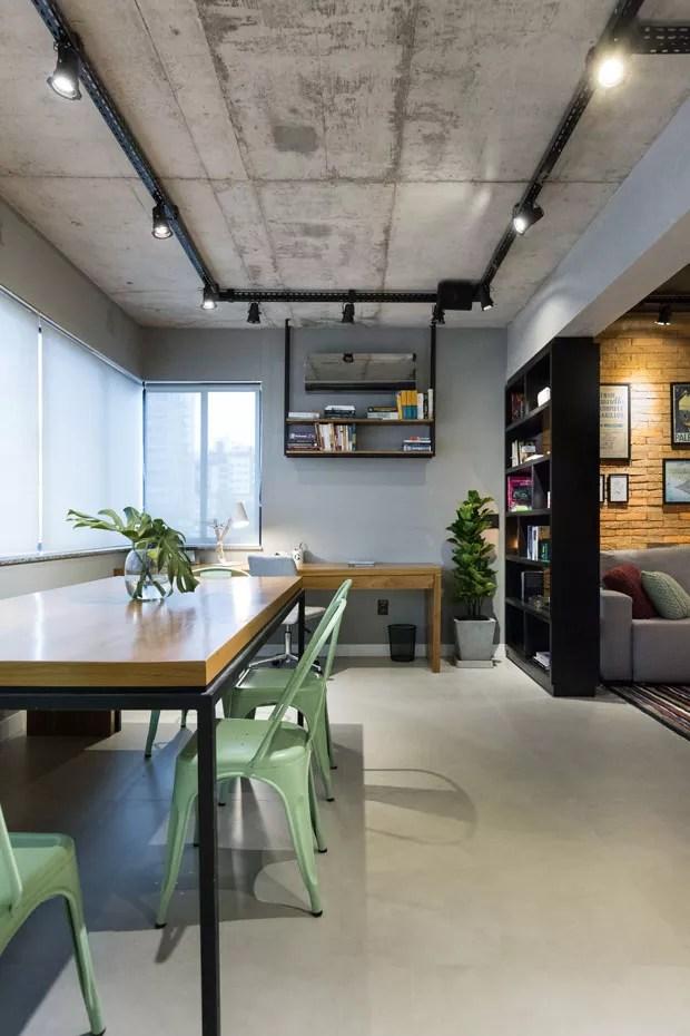 Apartamento de 45 m reflete o estilo urbano do jovem