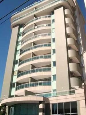 Prédio em Juiz de Fora, onde um dos agentes fiscais tem um apartamento duplex (Foto: Ministério Público)