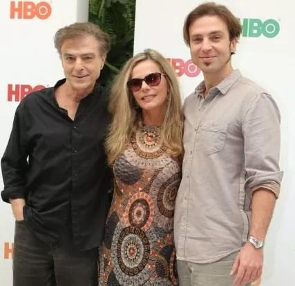 Carlos Alberto Ricelli, Bruna Lombardi e Kim Ricelli  (Foto: Zeh Campos)