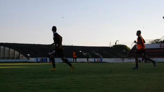 Agora titular, Reginaldo Júnior quer classificação diante do Cruzeiro