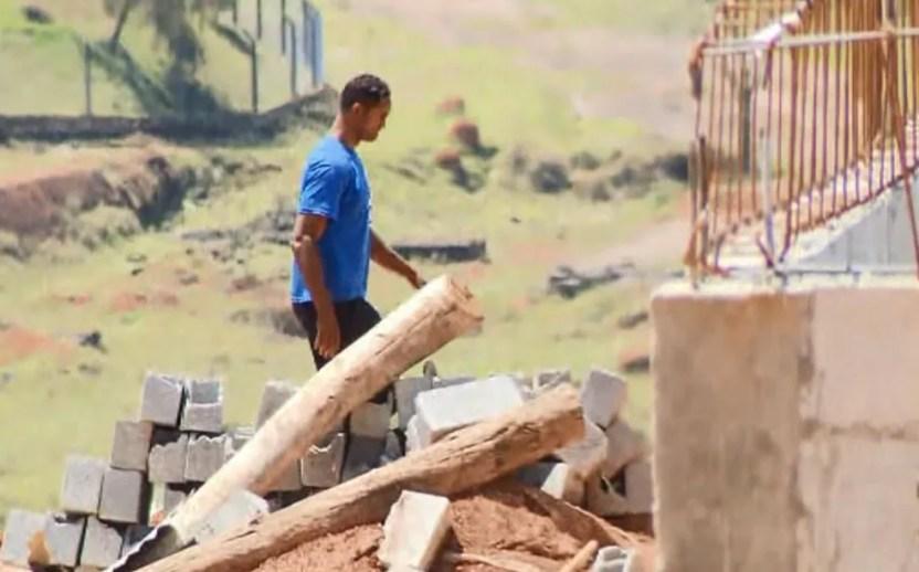 Goleiro Bruno exercia trabalho externo na Apac de Varginha — Foto: Reprodução/EPTV