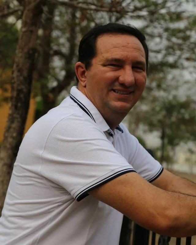 Valdir Barranco (PT), de 46 anos, está internado desde o começo da semana para tratamento da Covid-19 — Foto: Facebook