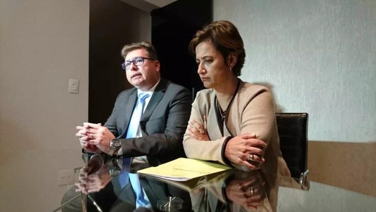 Jaqueline Coutinho se reuniu com advogado nesta terça-feira (Foto: Natália de Oliveira/G1)