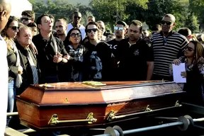 Enterro Matheus, filho de Eyshila (Foto: Roberto Teixeira / ego)