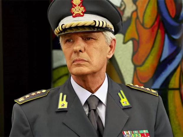 Giuliano Gemma em cena de 'Il capitano'  (Foto: Divulgação)