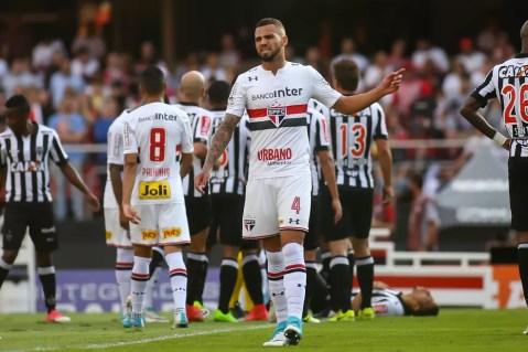 Lucão jogará no futebol português (Foto: Newton Menezes/Futura Press)