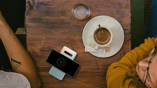 Galaxy S10 pode recarregar outros dispositivos sem fio — Foto: Divulgação/Samsung