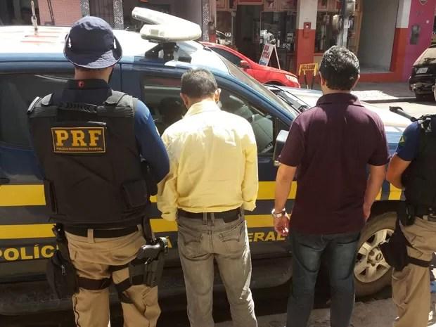 Francisco Orlandir Batista Brito e Luís Armando Silveira de Lemos foram presos em Santa Inês, MA (Foto: Divulgação/PRF)