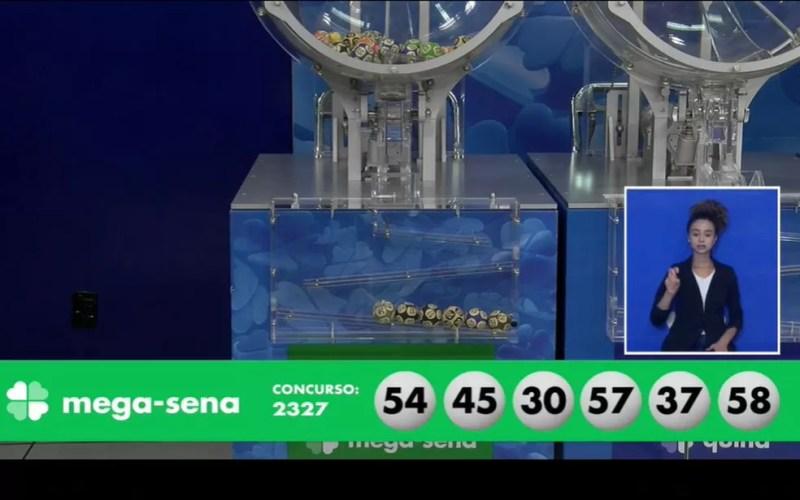 Dezenas sorteadas no concurso 2.327 da Mega Sena — Foto: Reprodução/Facebook/LoteriasCaixa