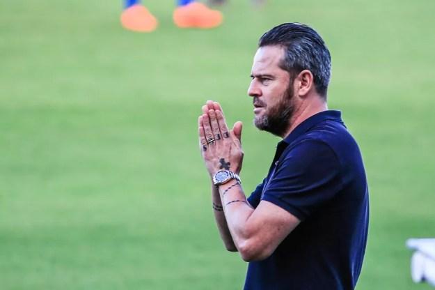 Argel Fuchs diz que expulsão complicou o jogo do CSA — Foto: Ailton Cruz/Gazeta de Alagoas