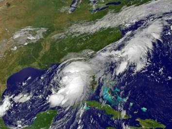 Imagem de satélite mostra Hermine (Foto: Goes / Nasa / via Reuters)