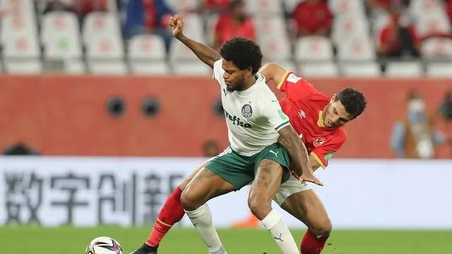 Luiz Adriano em Al Ahly x Palmeiras