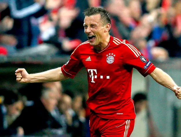 Ivica Olic comemora gol do Bayern de Munique contra o Olympique (Foto: Reuters)