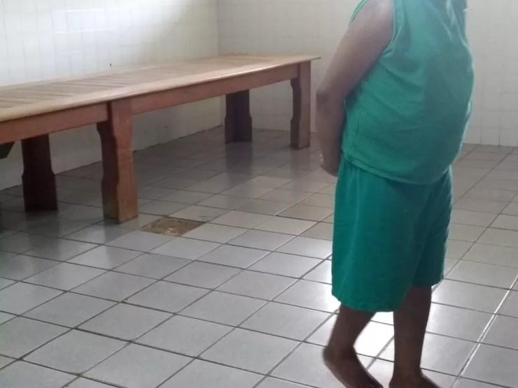 Hosmac tem ao menos cinco pacientes que moram no local há anos e foram abandonados pela família  — Foto: Tácita Muniz/G1