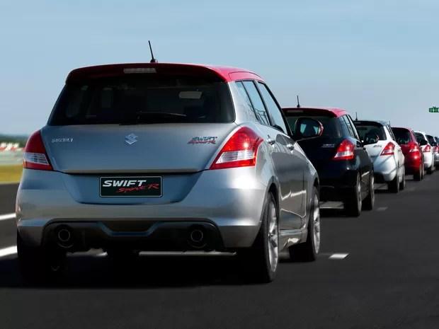 Suzuki Swift na versão Sport R, de R$ 82 mil (Foto: Sergio Chvaicer/Divulgação)