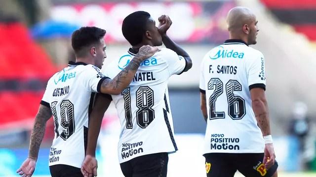Léo Natel marcou em uma rara chance do Corinthians
