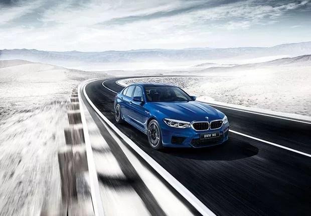 Com o Pacote M Driver, a velocidade máxima do BMW M5 alcança incríveis 305km/h (Foto: Divulgação)