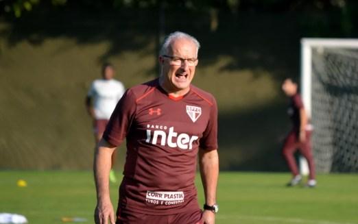 Dorival Júnior tem muito trabalho para arrumar o sistema defensivo do São Paulo (Foto: Érico Leonan/saopaulofc)