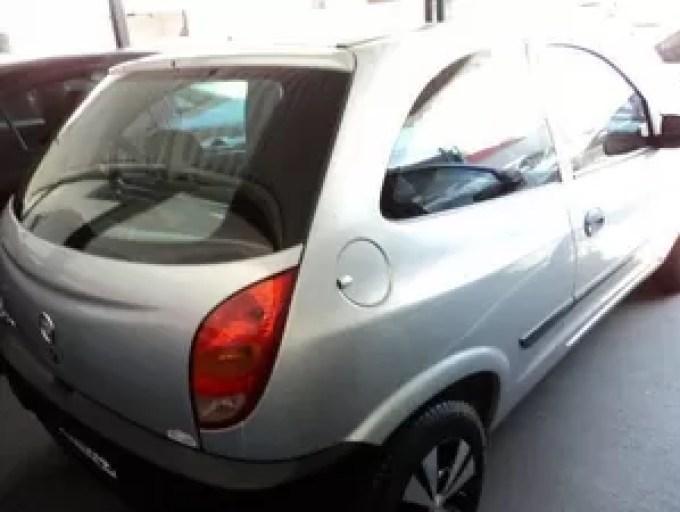 Carro de casal roubado em Uberlândia (Foto: Reprodução/Facebook)