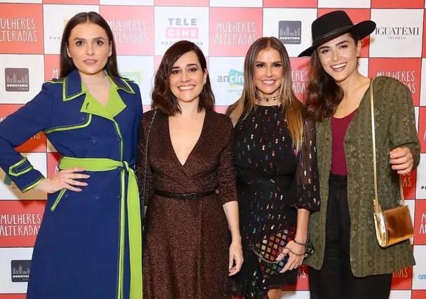 Deborah posa com Mônica Iozzi, Alessandra Negrini e Maíra Casadevall (Foto: Instagram/Reprodução)