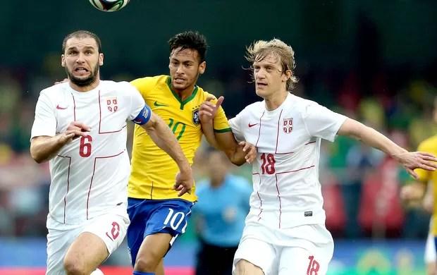 Neymar amistoso Brasil x Sérvia (Foto: Mowa Press)