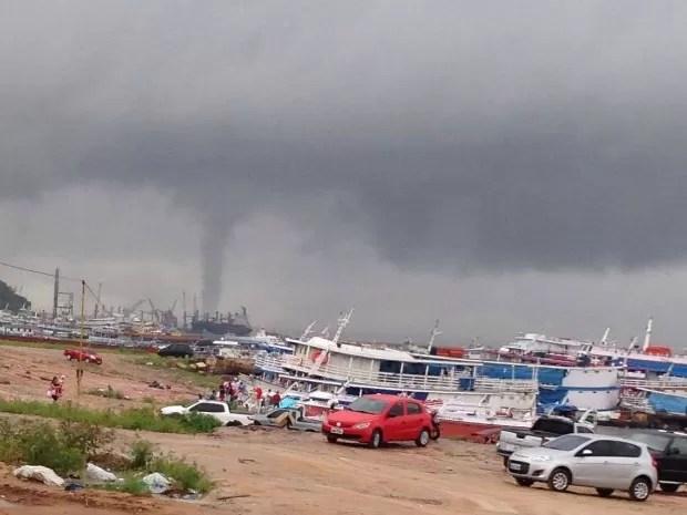 O fenômeno se formou sobre o Rio Negro (Foto: Arquivo Pessoal)