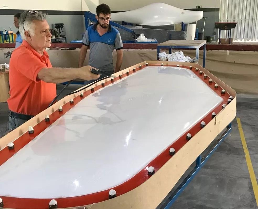 São mais de três anos de dedicação para chegar na produção das fôrmas da aeronave criada na Indústria em Campina Grande, em parceria com a UFCG — Foto: Indústria Aeronáutica Stratus/Divulgação