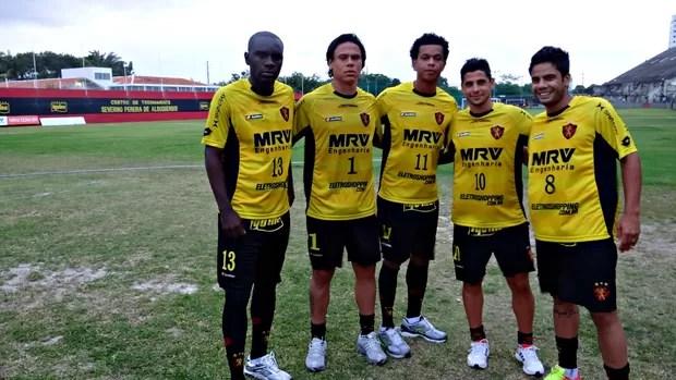 Hugo; Renan Teixeira; Edcarlos; Cicinho; Henrique; Sport (Foto: Elton de Castro (Globoesporte.com))