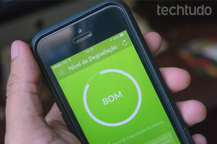 Checando a integridade da bateria do iPhone (Foto: Marvin Costa/TechTudo)