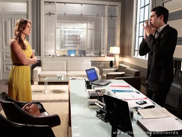 Paloma fica indignada com o irmão (Foto: Pedro Curi/TV Globo)