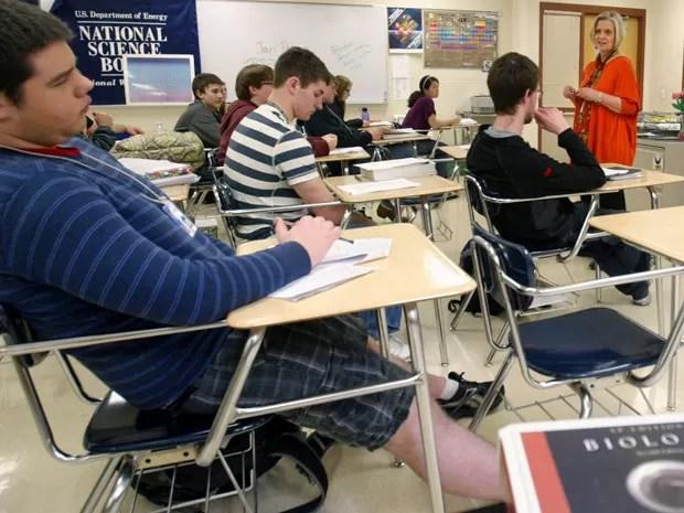 Adolescentes não dormem o suficiente antes de ir para a escola, diz pesquisa (Foto: Kevin Bennett/AP)