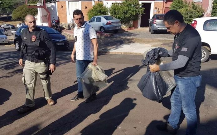 Material apreendido dentro da Operação Luz da Infância II na região de Campinas (Foto: André Natale/EPTV)