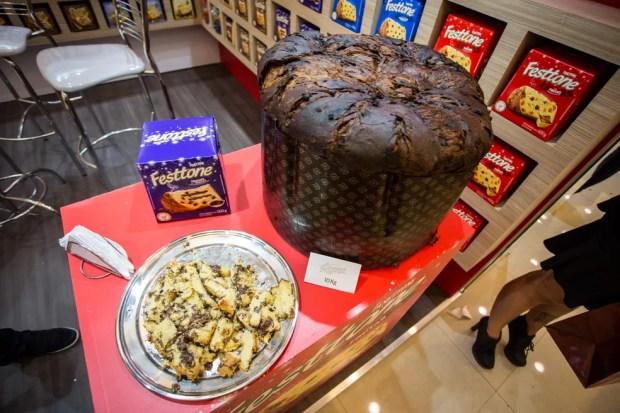 Siena Alimentos, fabricante das marcas Roma e Festtone, apostou na linha de panetones trufados — Foto: Fabio Tito/G1