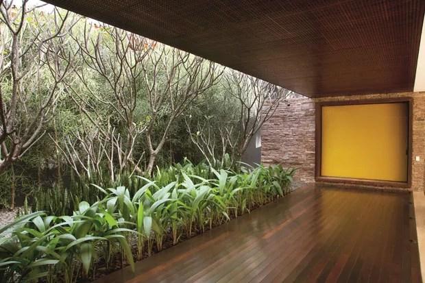 Jardim contemporneo em So Paulo  uma verdadeira obra de arte  Casa Vogue  Paisagismo