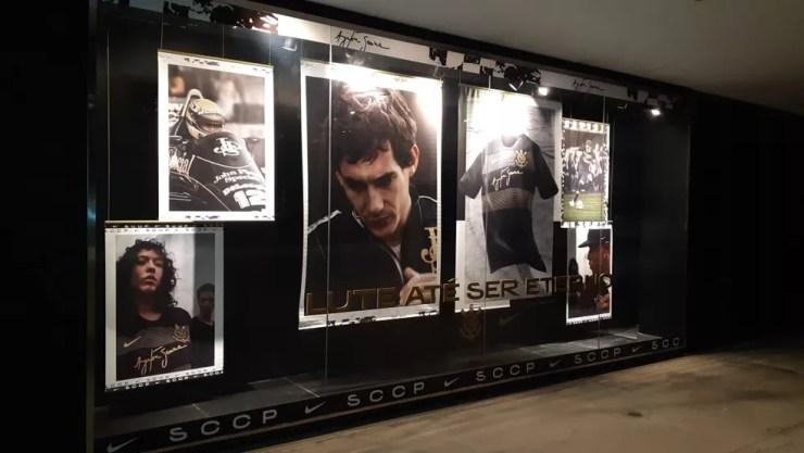A loja da Arena Corinthians está decorada com o tema Senna — Foto: Divulgação