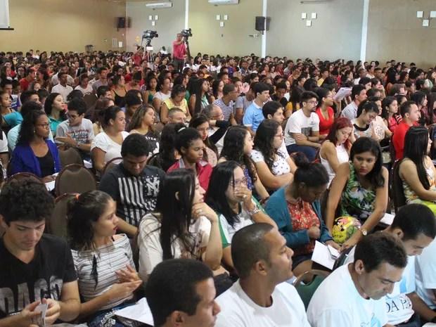 Mais de 2 mil alunos se reúnem para revisão do Enem (Foto: Fernando Brito/G1)