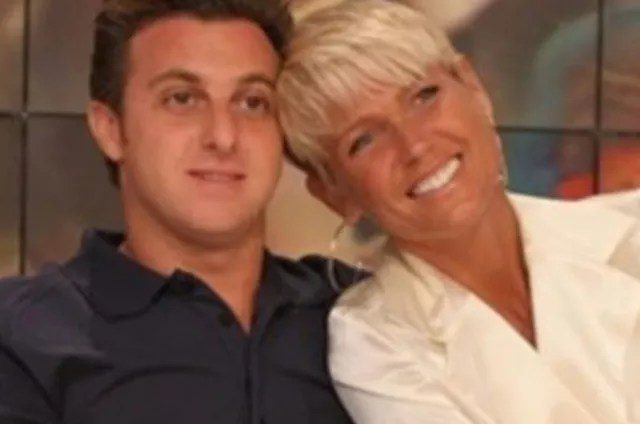 Luciano Huck and Xuxa in the 2000s (Photo: Reproduction/TV Globo)