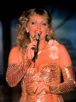 Linda Nolan, no auge da fama  (Foto: Reprodução/Site oficial)