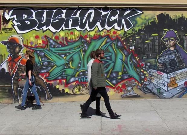 A cor dos grafites invade Bushwick  Casa Vogue  Arte