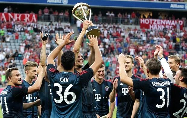 Bayern de Munique troféu jogo Barcelona (Foto: Reuters)
