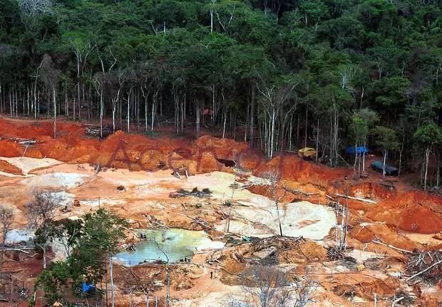 Foto de arquivo do Garimpo de Roosevelt, que fica em Rondônia, na reserva indígena Parque do Aripuanã, dos índios cinta larga (Foto: Reprodução/Facebook)