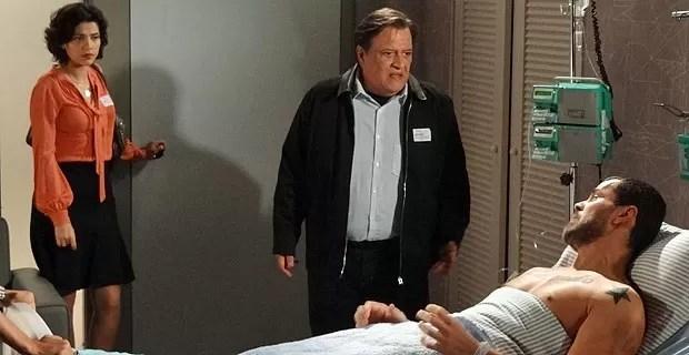 Miriam fica surpresa com a reação de Fernando (Foto: Amor Eterno Amor/TV Globo)