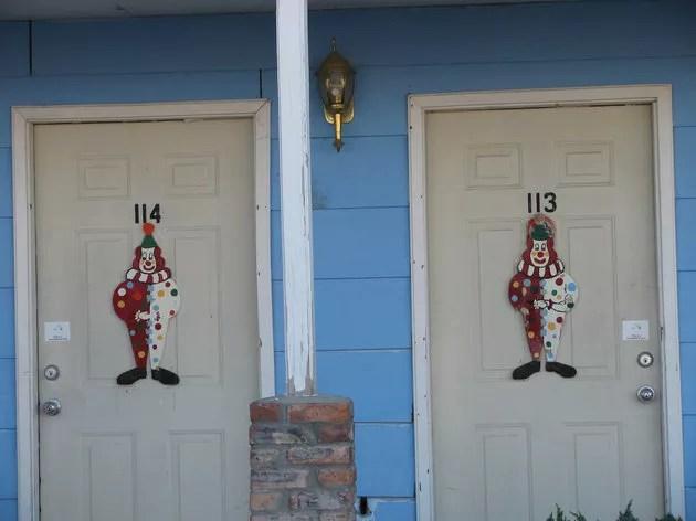 Quartos do Clown Motel