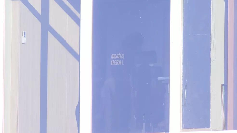 Polícia Federal cumpre mandados de busca e apreensão no prédio do Tribunal de Contas, no DF — Foto: TV Globo/Reprodução