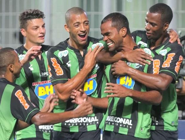 Junior Negão comemoração jogo América-MG x Oeste (Foto: Denilson Dias / Agência Estado)